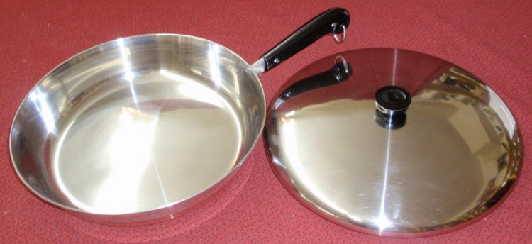 REFURBISHED Vintage Revere Ware 12 in Chef Skillet w/ Lid - Click Image to Close